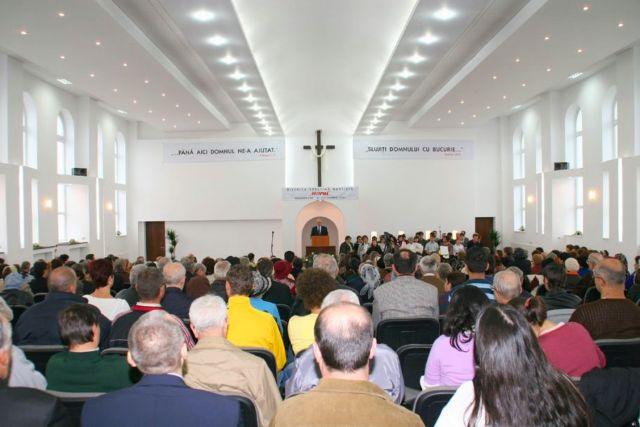 slujbele-bisericii-harul